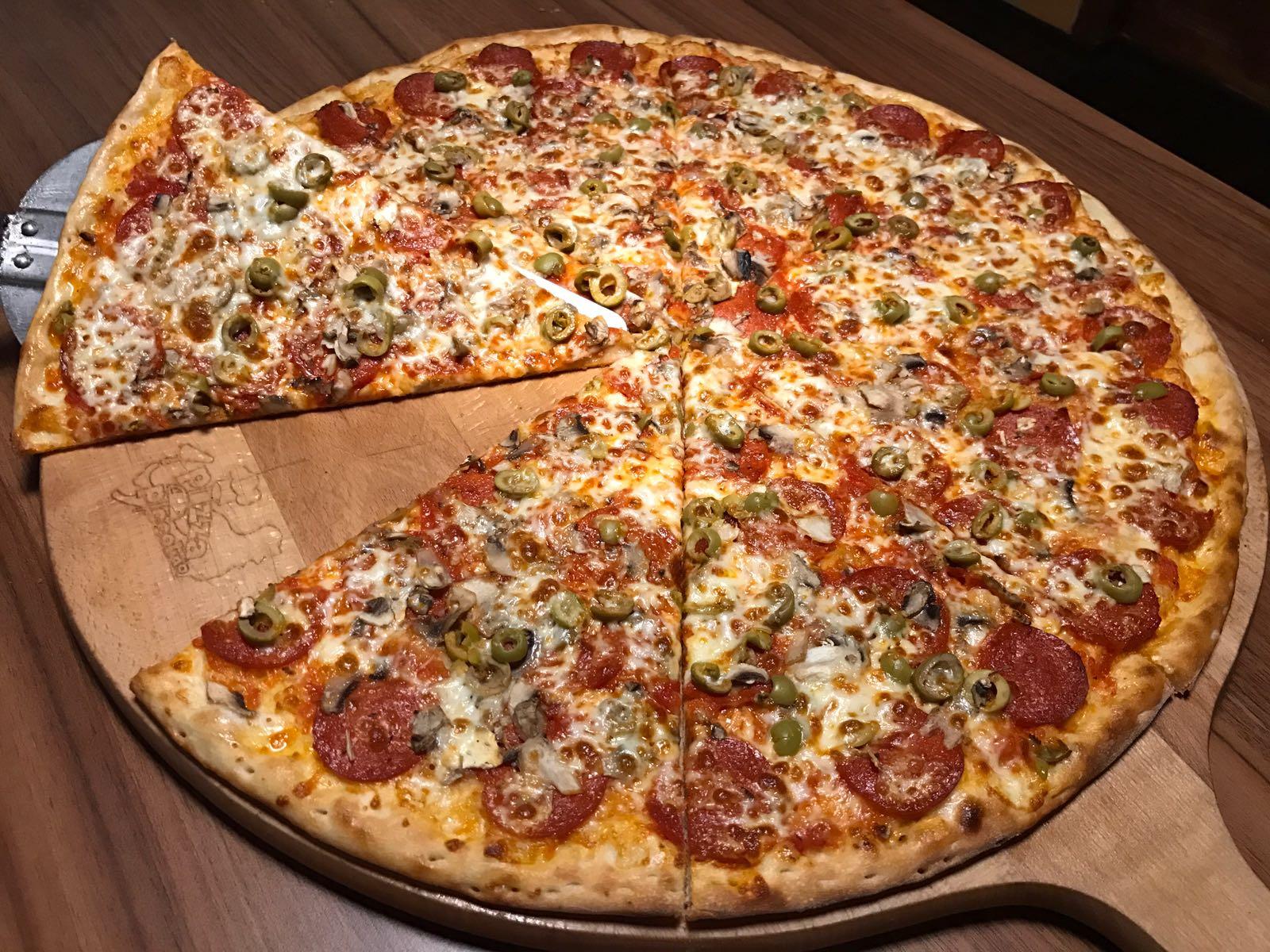 12. Pizza Pepperone 50cm