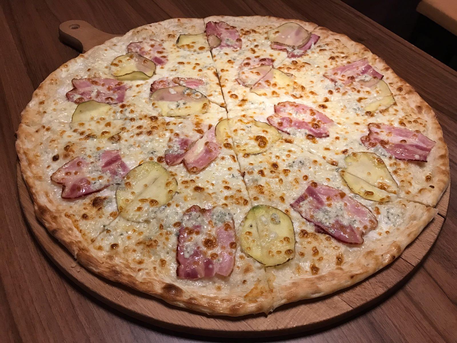 13. Pizza Patatu 33cm